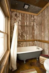 bathroom bathtub photos large group family vacation rentals